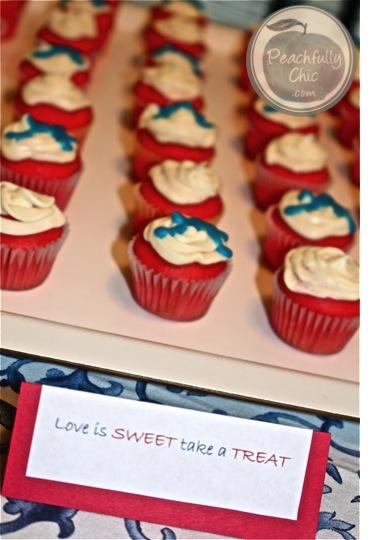baseball-bachelorette-theme-cupcakes
