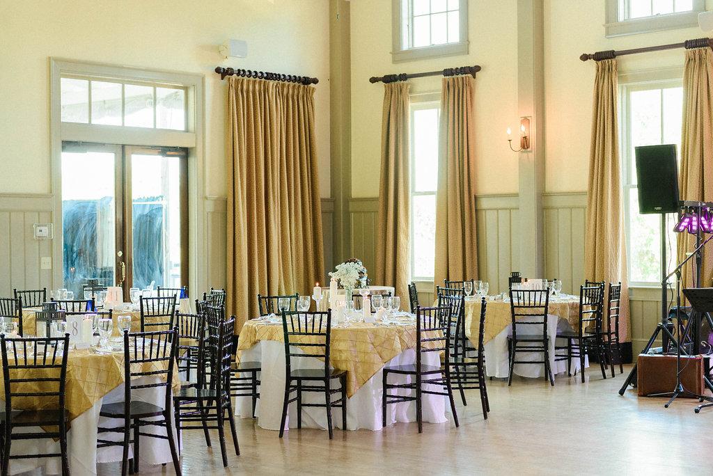 the-creek-club-at-ion-wedding-decor