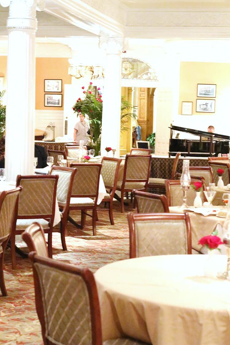 Jekyll-Island-Club-Hotel-Review-25-grand-dining-room-restaurant
