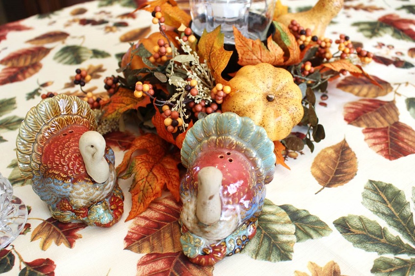 Thanksgiving-Tablescape-Peachfully-Chic-Decor-Inspiration-5