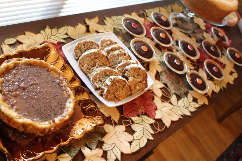 Thanksgiving-Tablescape-Peachfully-Chic-Dessert-1