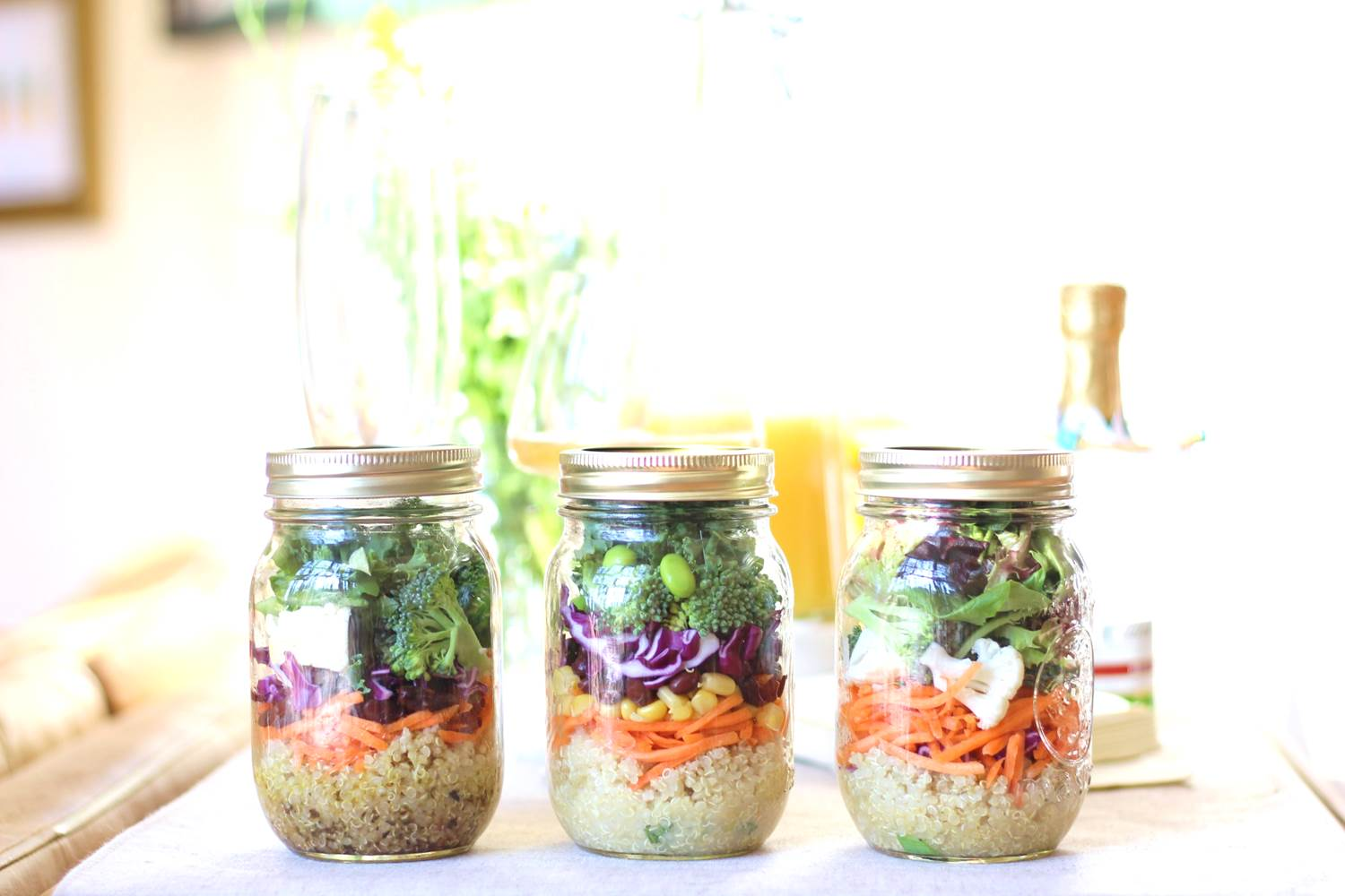 Peachfully-Chic-Mason-Jar-Salads-6