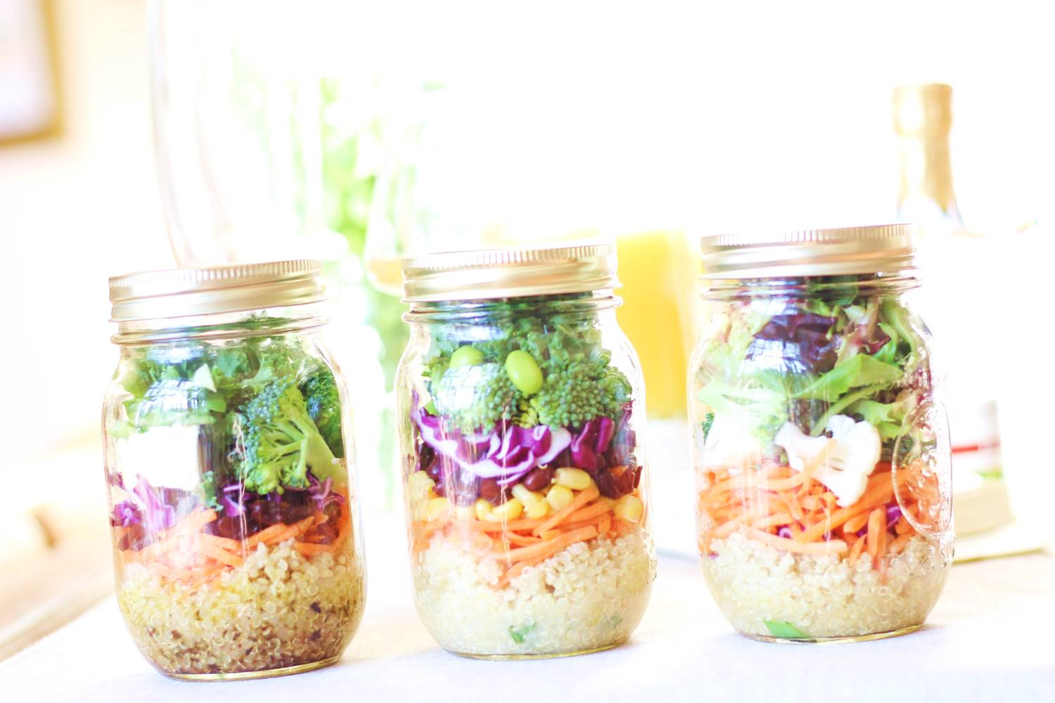 Peachfully-Chic-Mason-Jar-Salads-7
