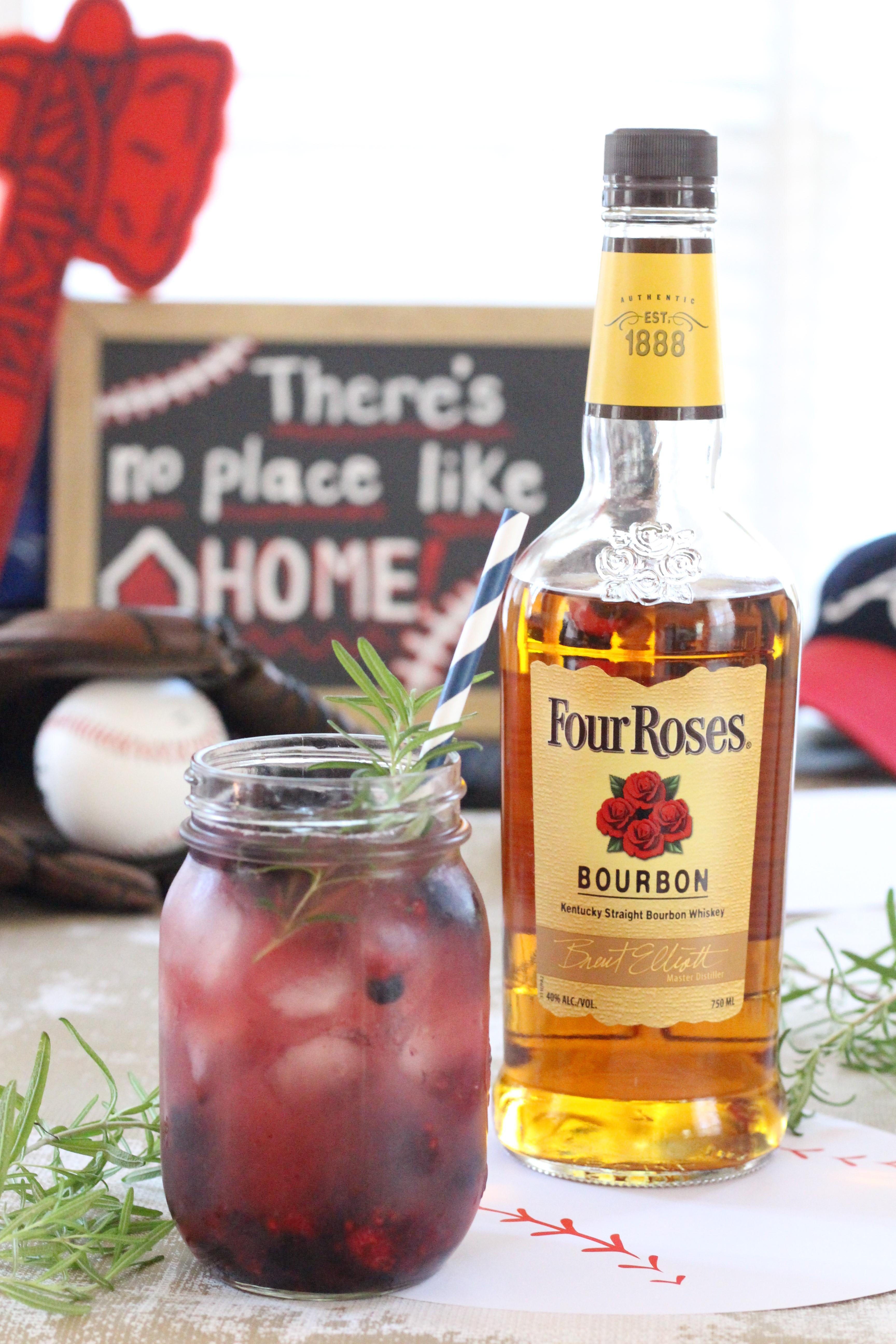 Four-Roses-Cocktail-Bourbon-Berry-Blast-4