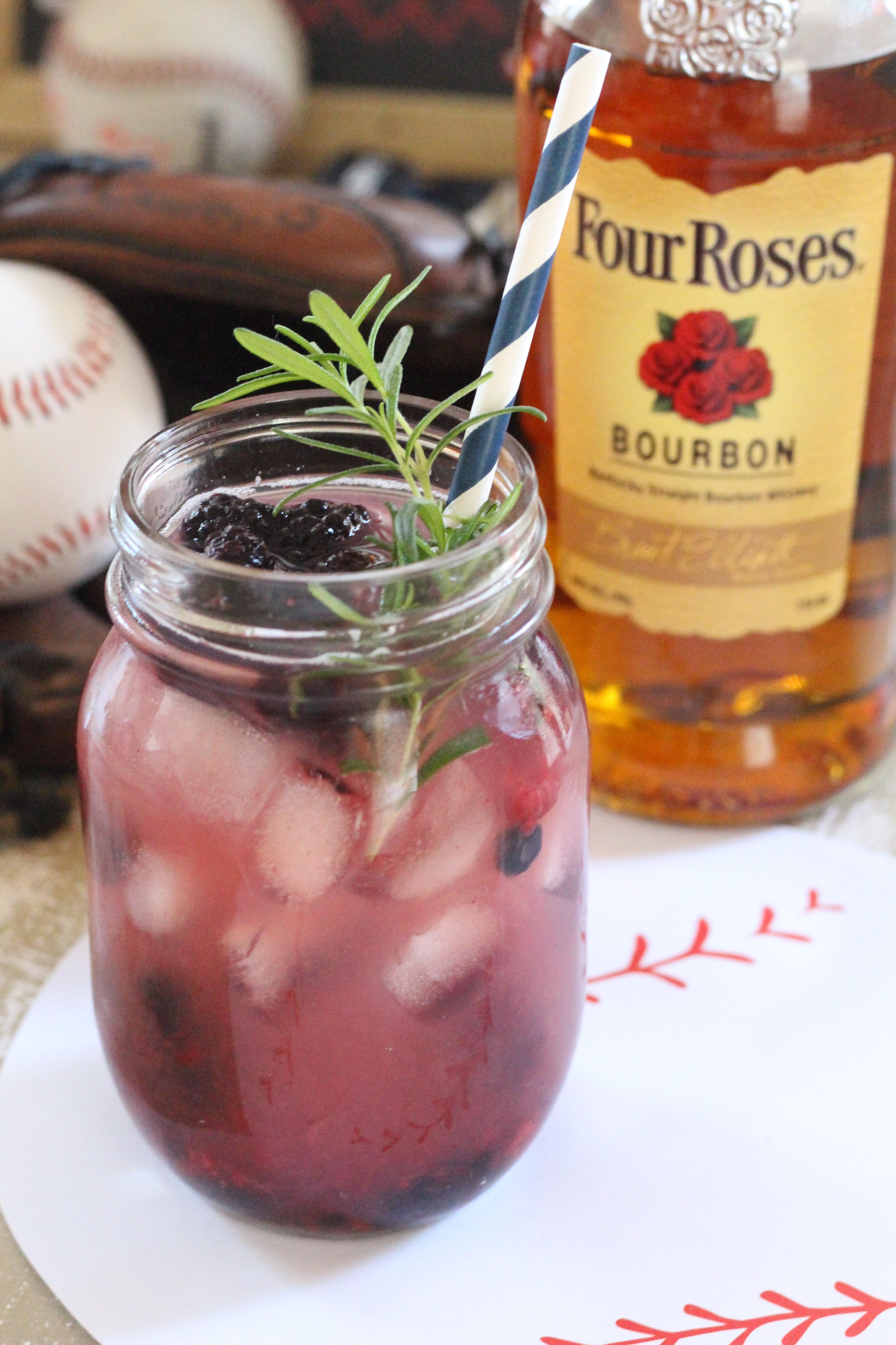 Four-Roses-Cocktail-Bourbon-Berry-Blast-5