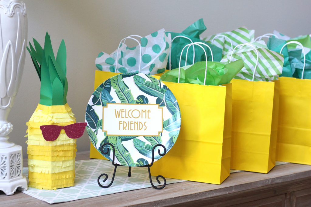 Peachfully-Chic-PCBday-Pineapple-Anniversary-Blog-Swap-Party-10
