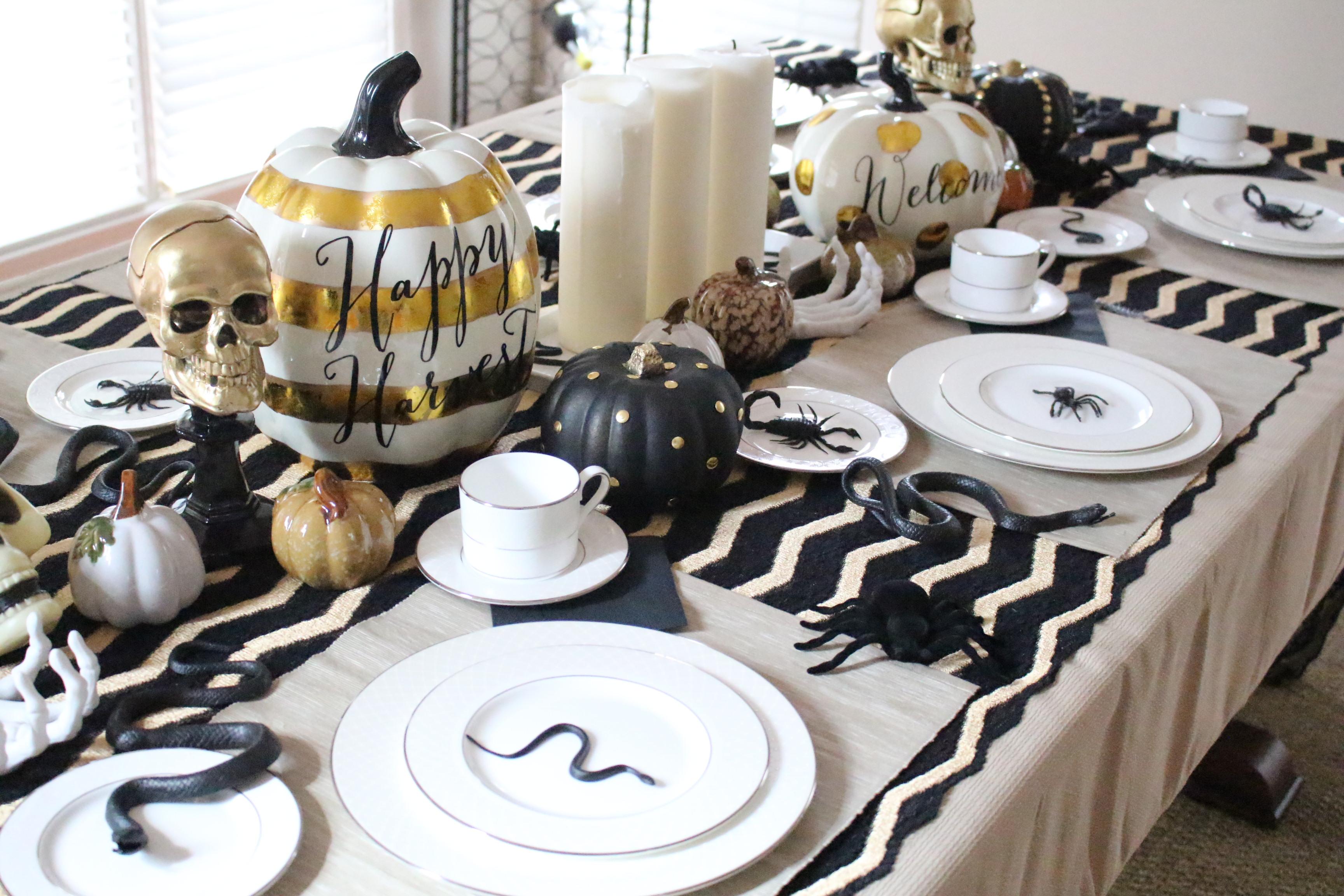 halloween-tablescape-black-gold-3