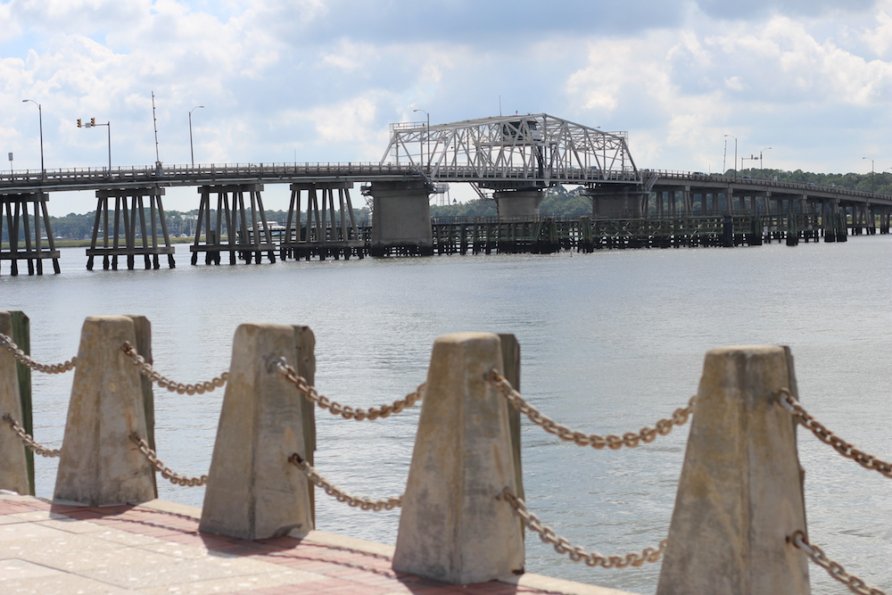 travel-blogger-beaufort-sc-bridge