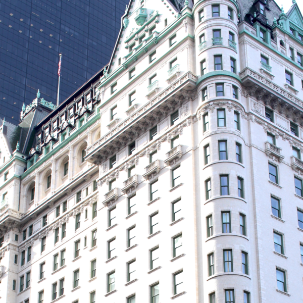 Peachfully-Chic-New-York-City-Plaza-Hotel-Review-1