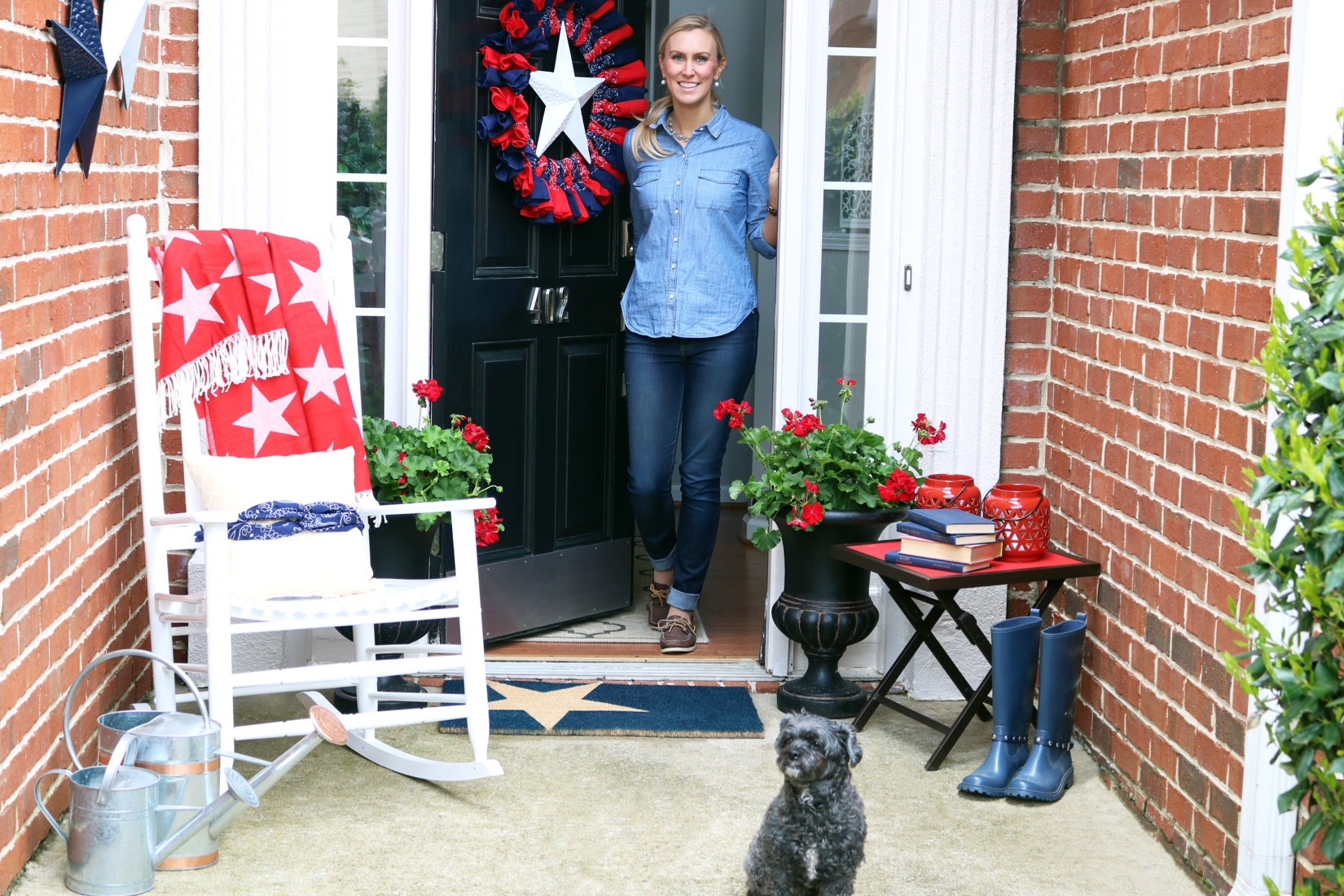 4th-of-july-front-door-decorations-allison-cawley-1