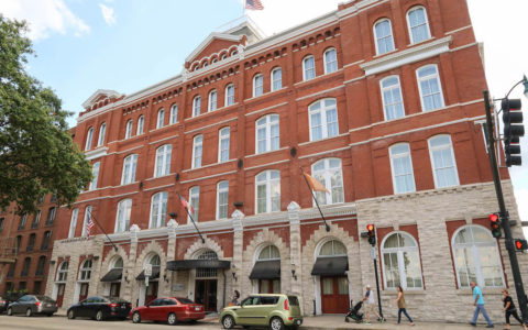 Hotel-Indigo-Savannah-Places-to-Stay-6