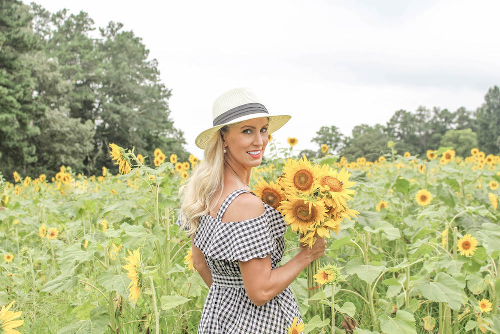 sunflower-farm-north-georgia-peachfully-chic-allison-cawley-2