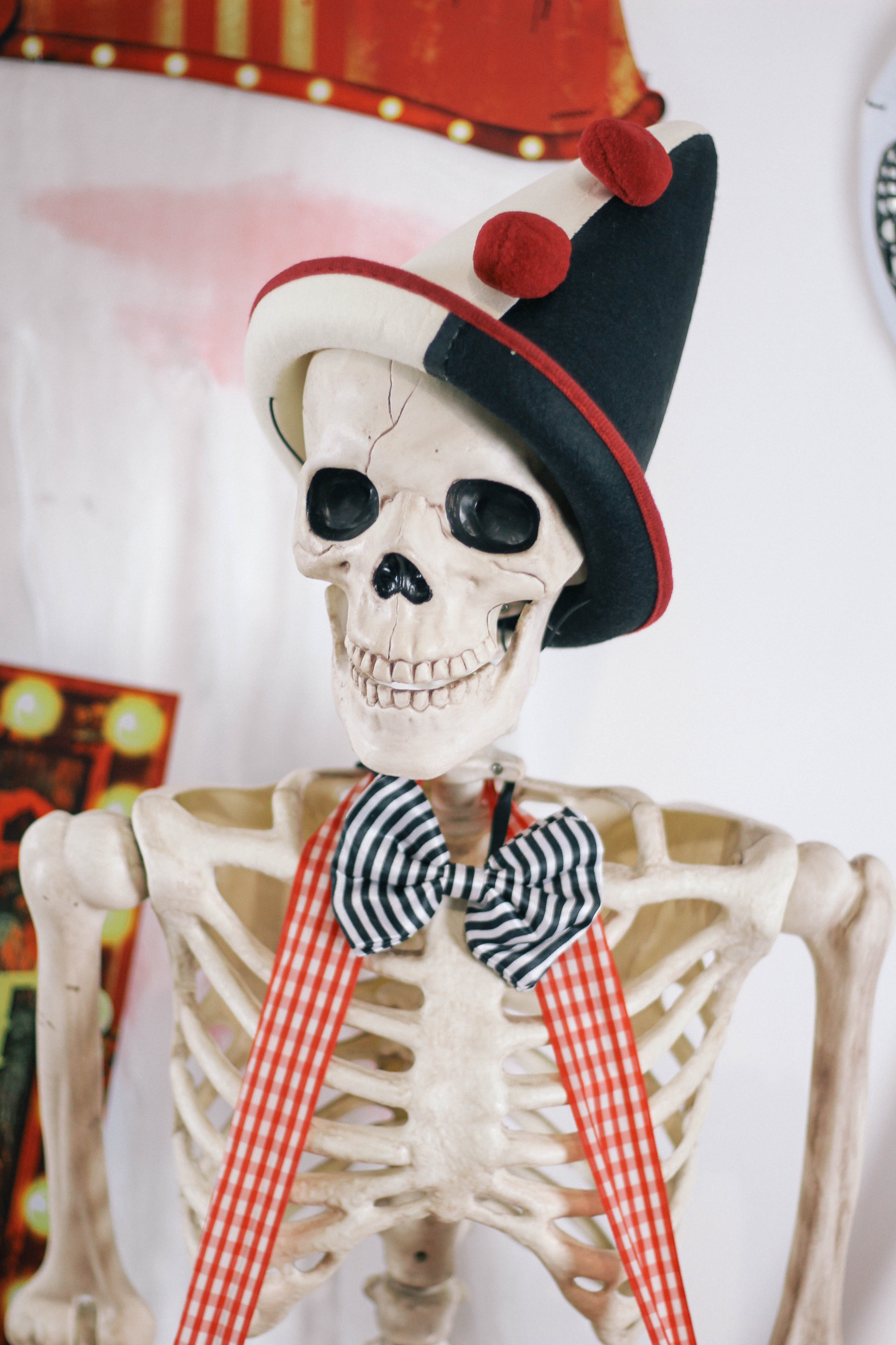 Halloween-Carnival-CarnEVIL-themed-party-tablescape-11