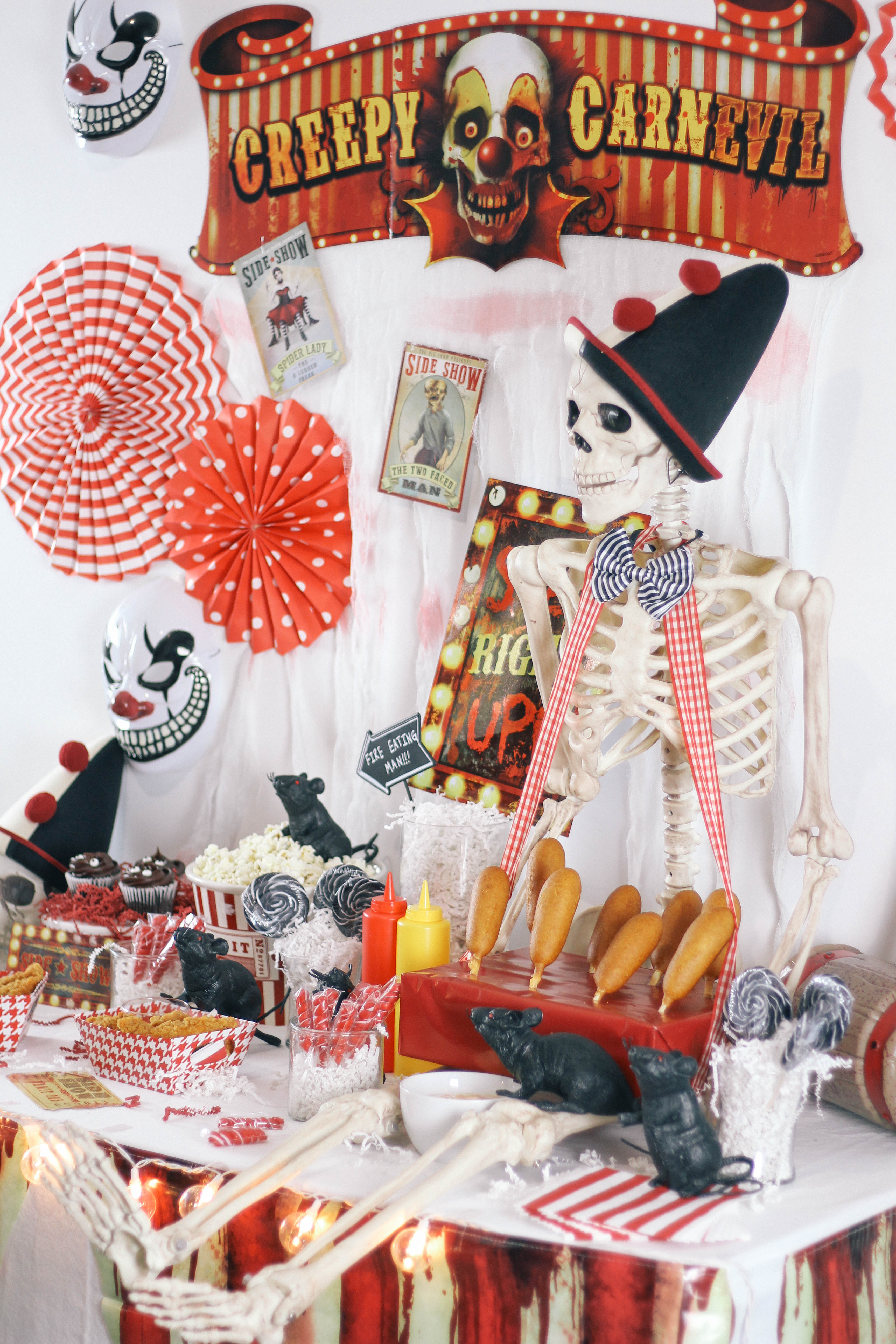 Halloween-Carnival-CarnEVIL-themed-party-tablescape-12