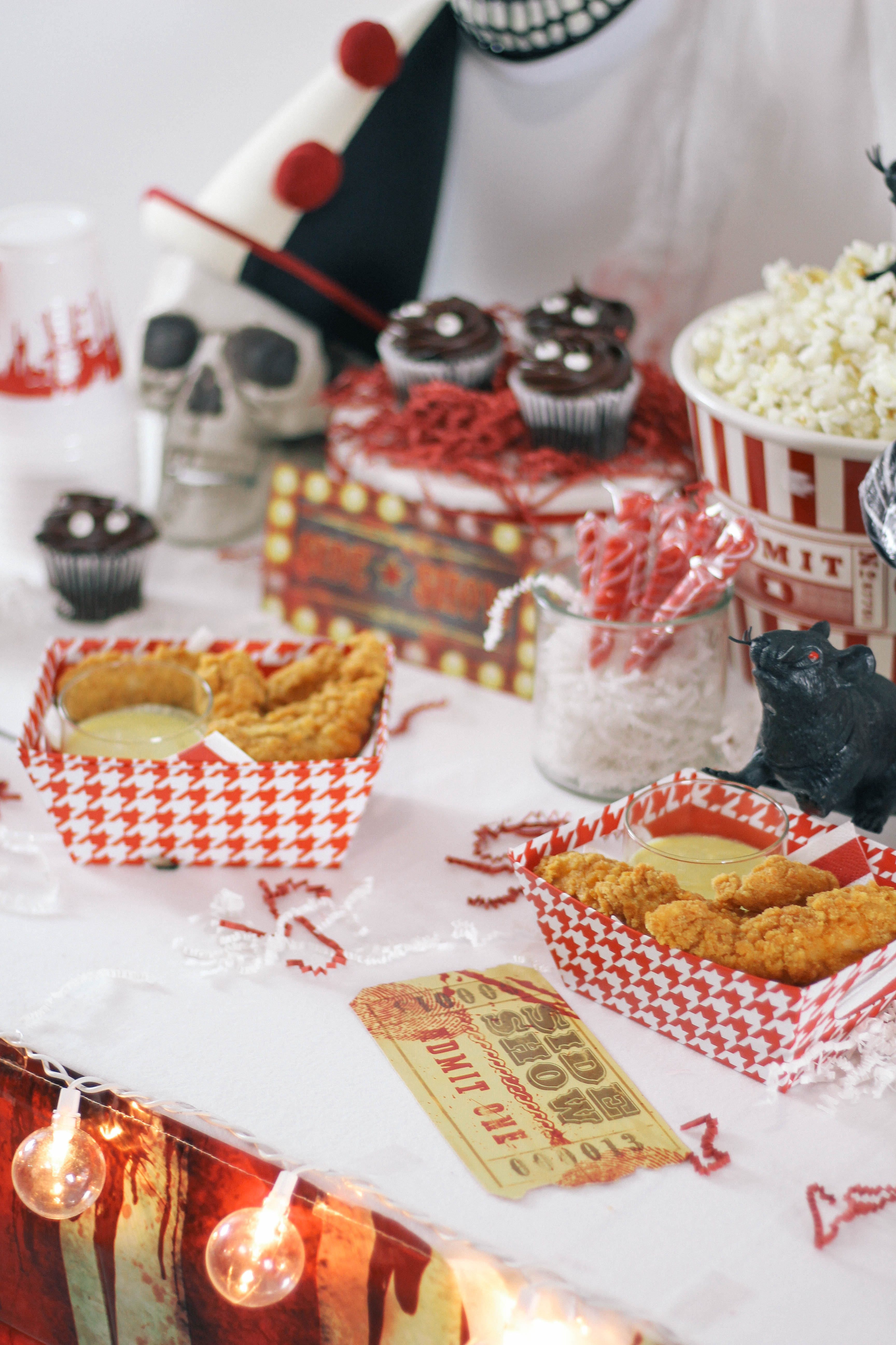 Halloween-Carnival-CarnEVIL-themed-party-tablescape-13