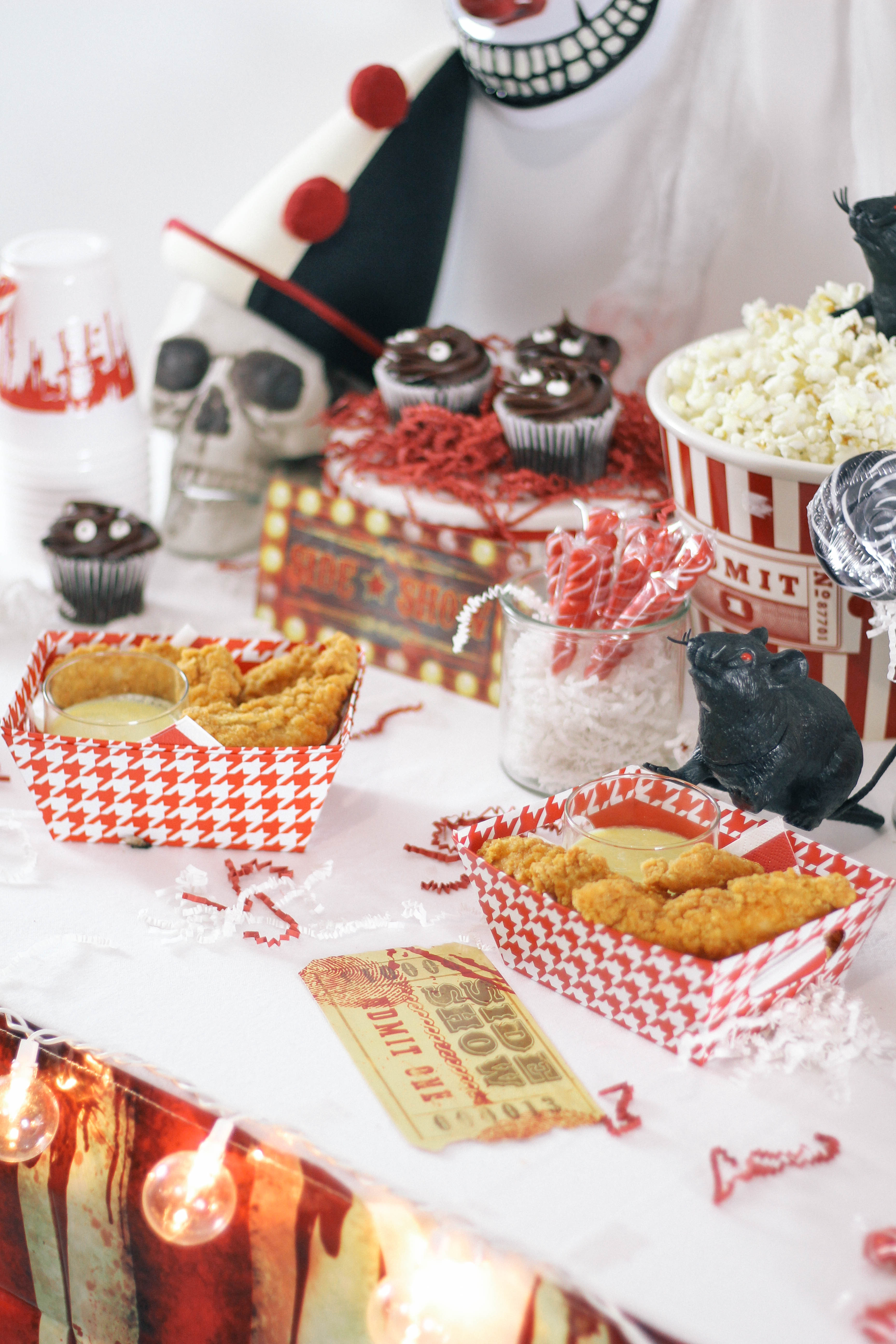 Halloween-Carnival-CarnEVIL-themed-party-tablescape-14