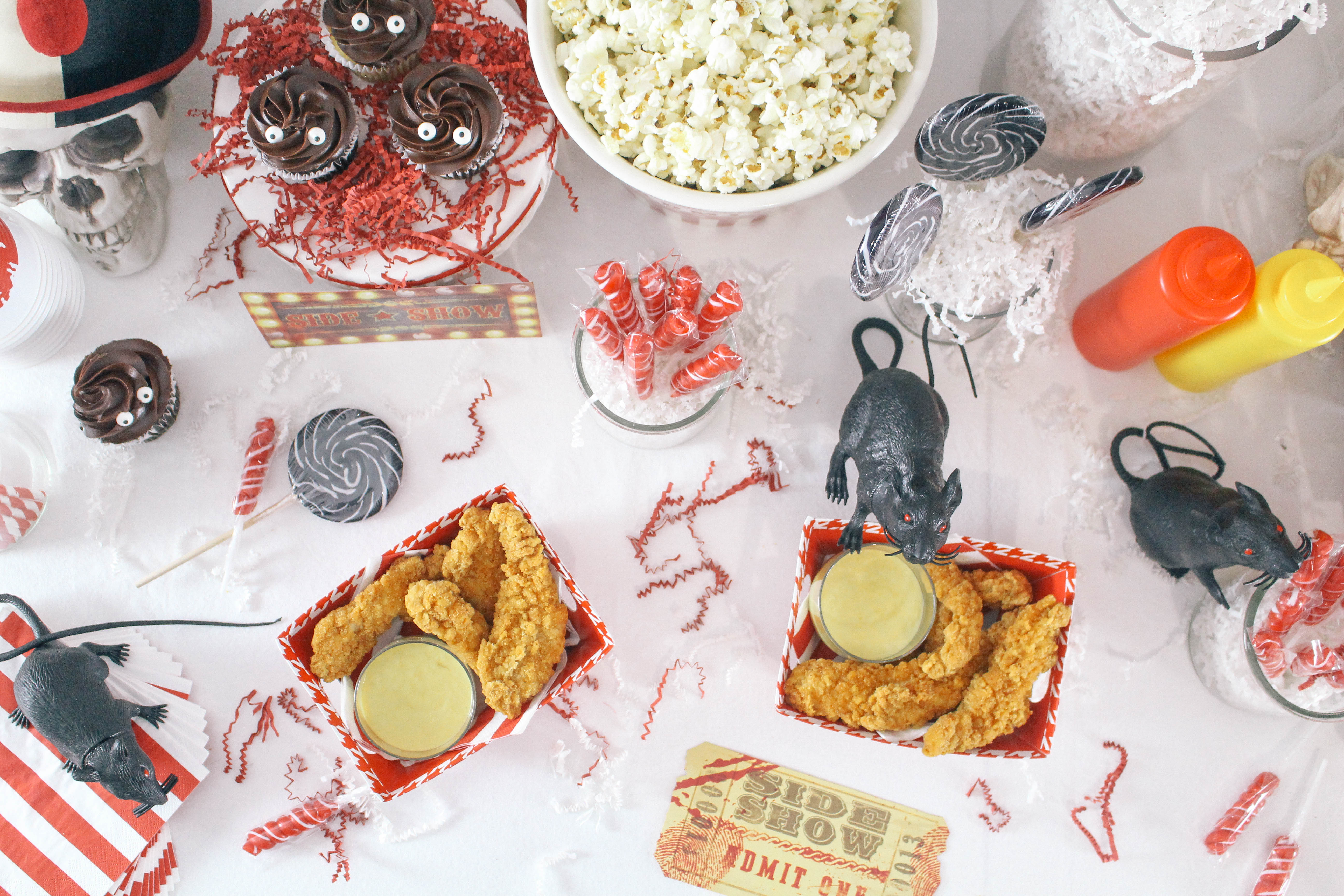 Halloween-Carnival-CarnEVIL-themed-party-tablescape-16