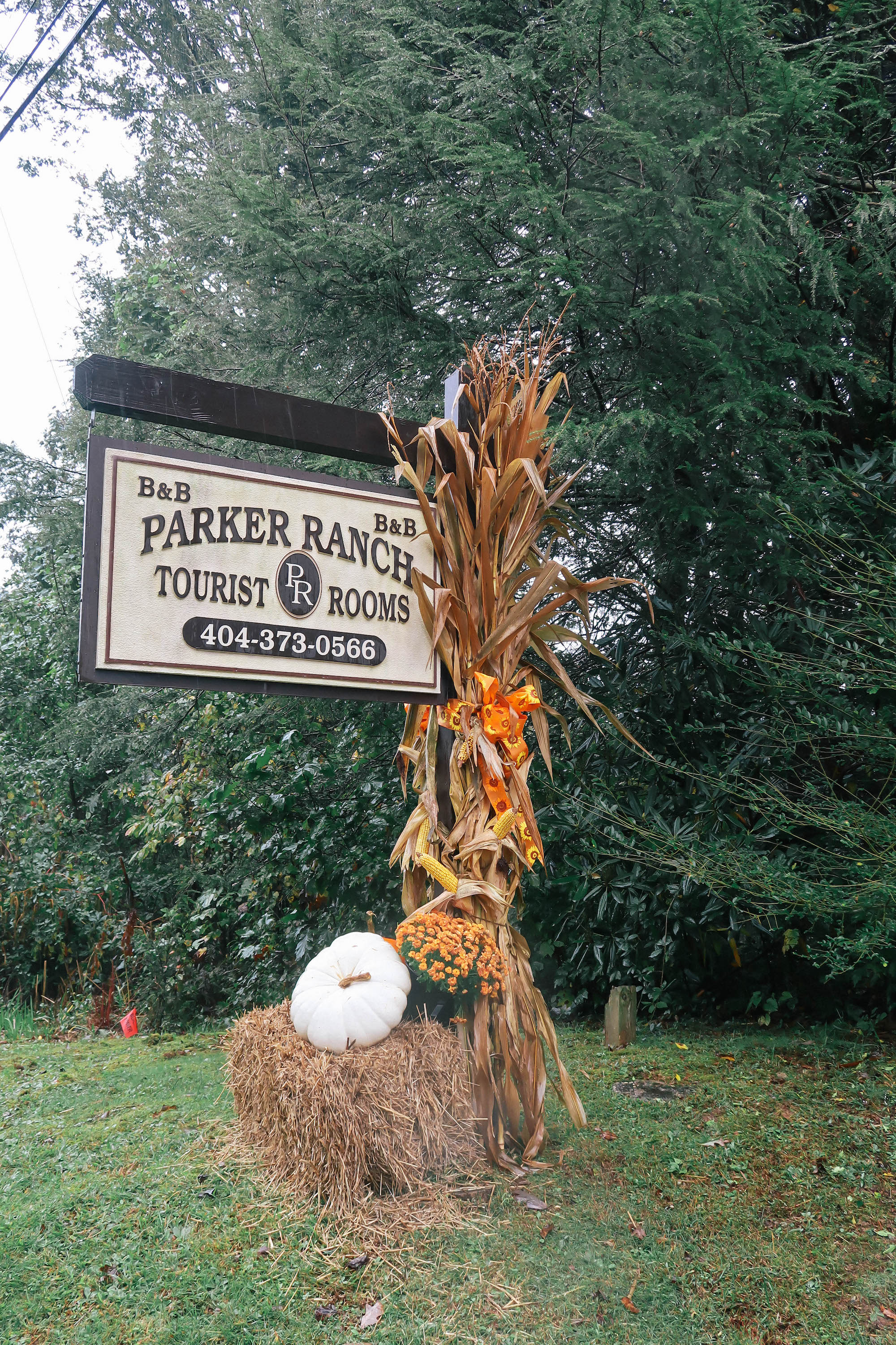 The-Parker-Ranch-welcome-sign