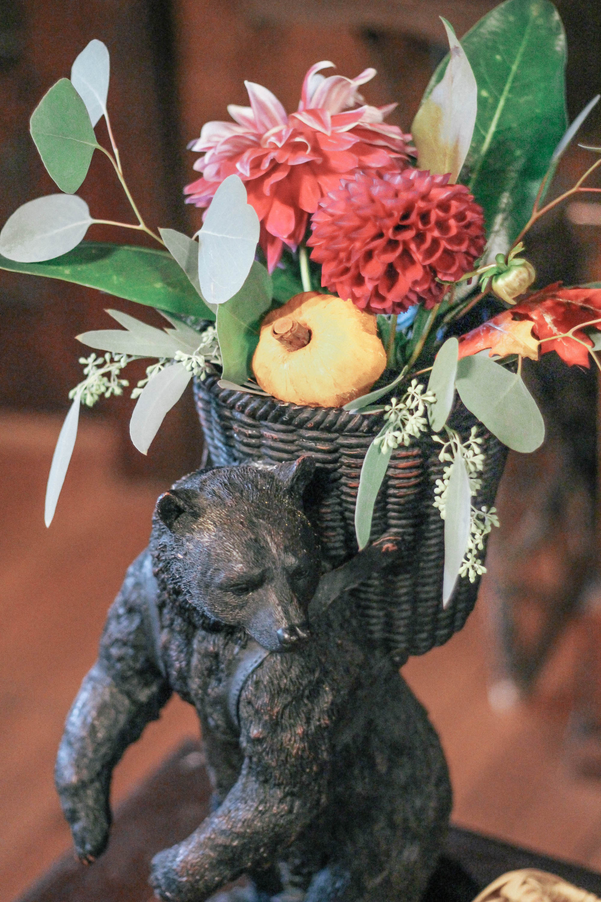 bear-vase-with-flowers