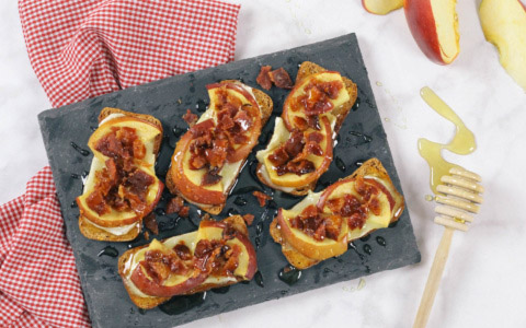 Apple-Bacon-Brie-Bites-Easy-App-Recipe-4