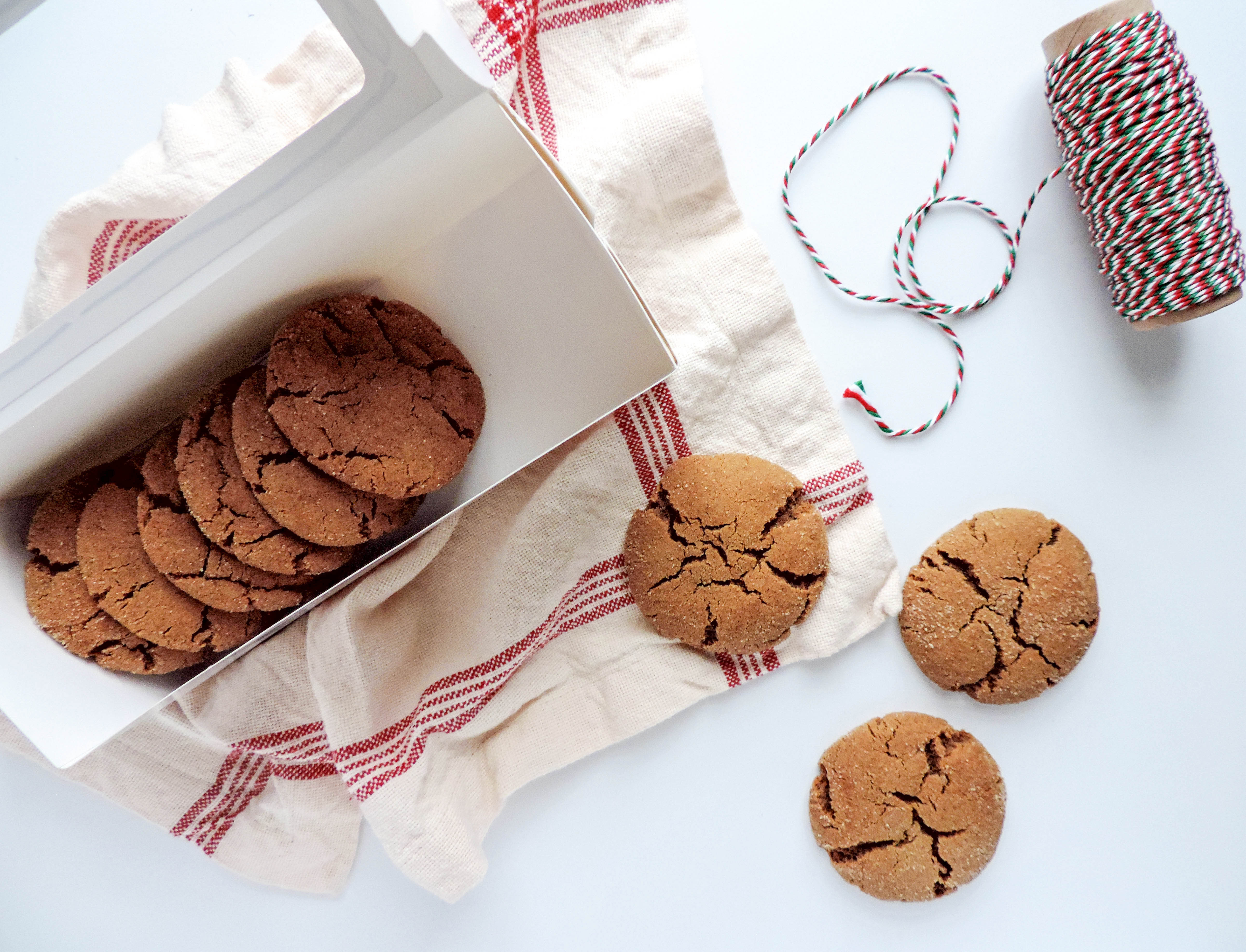 Boston Chic Party Molasses Cookies-1