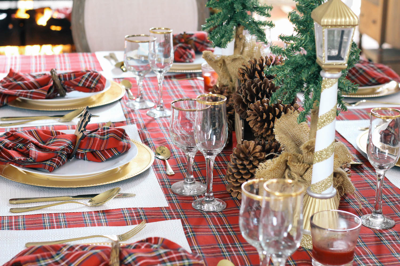Christmas-Tablescape-Red-Plaid-Decor-1