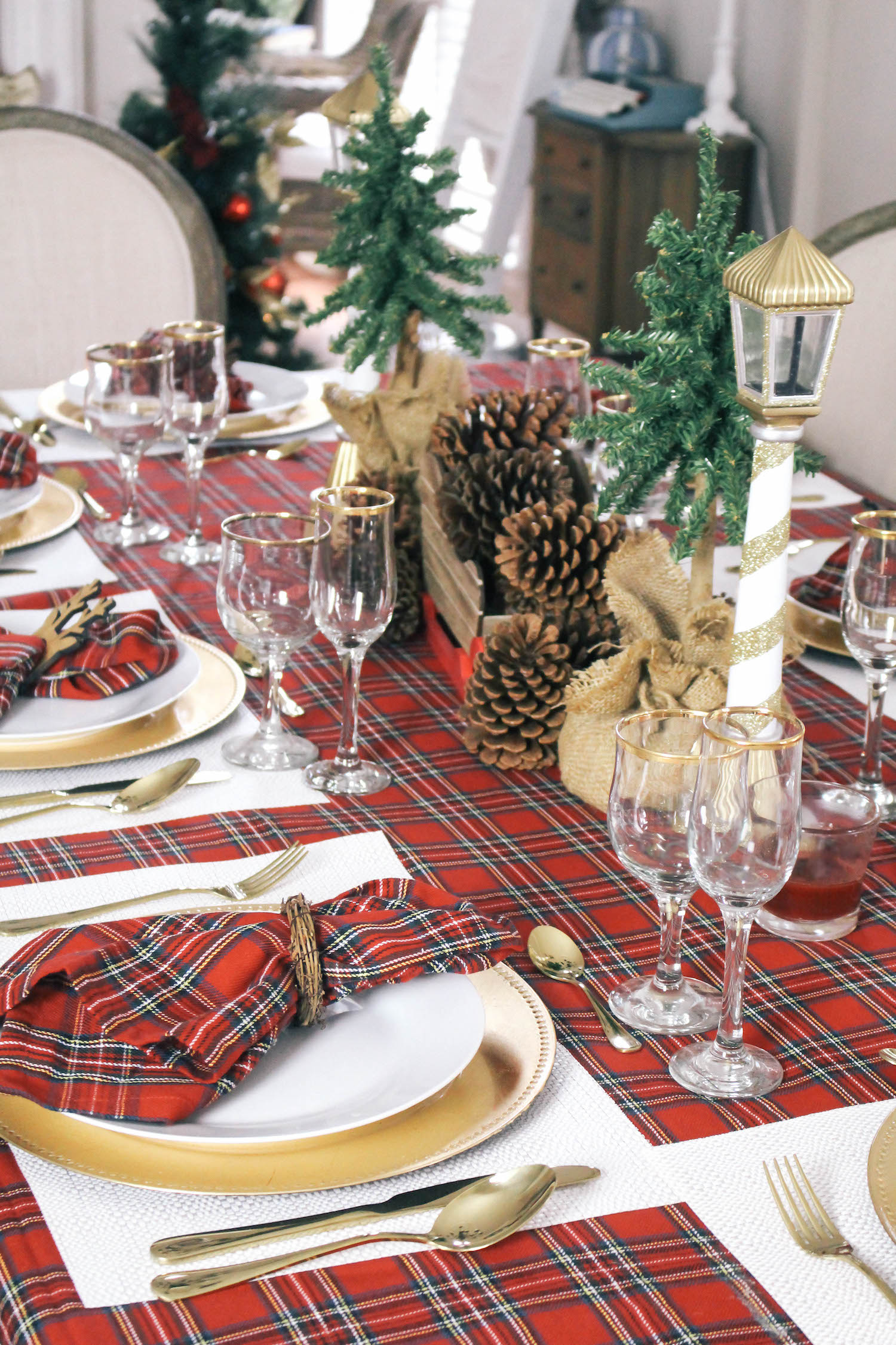 Christmas-Tablescape-Red-Plaid-Decor-11