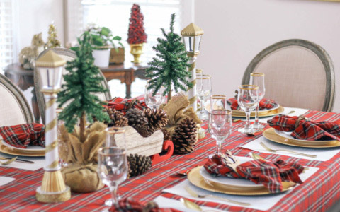 Christmas-Tablescape-Red-Plaid-Decor-2