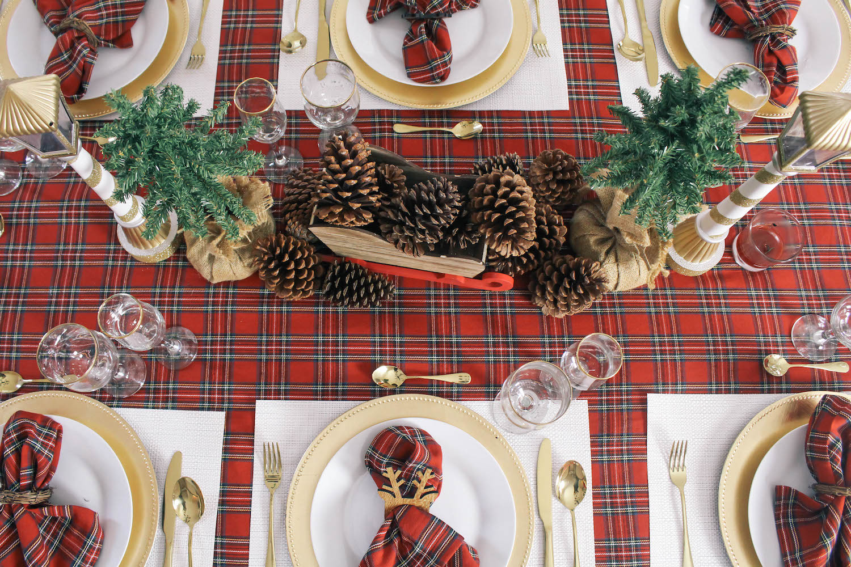 Christmas-Tablescape-Red-Plaid-Decor-4