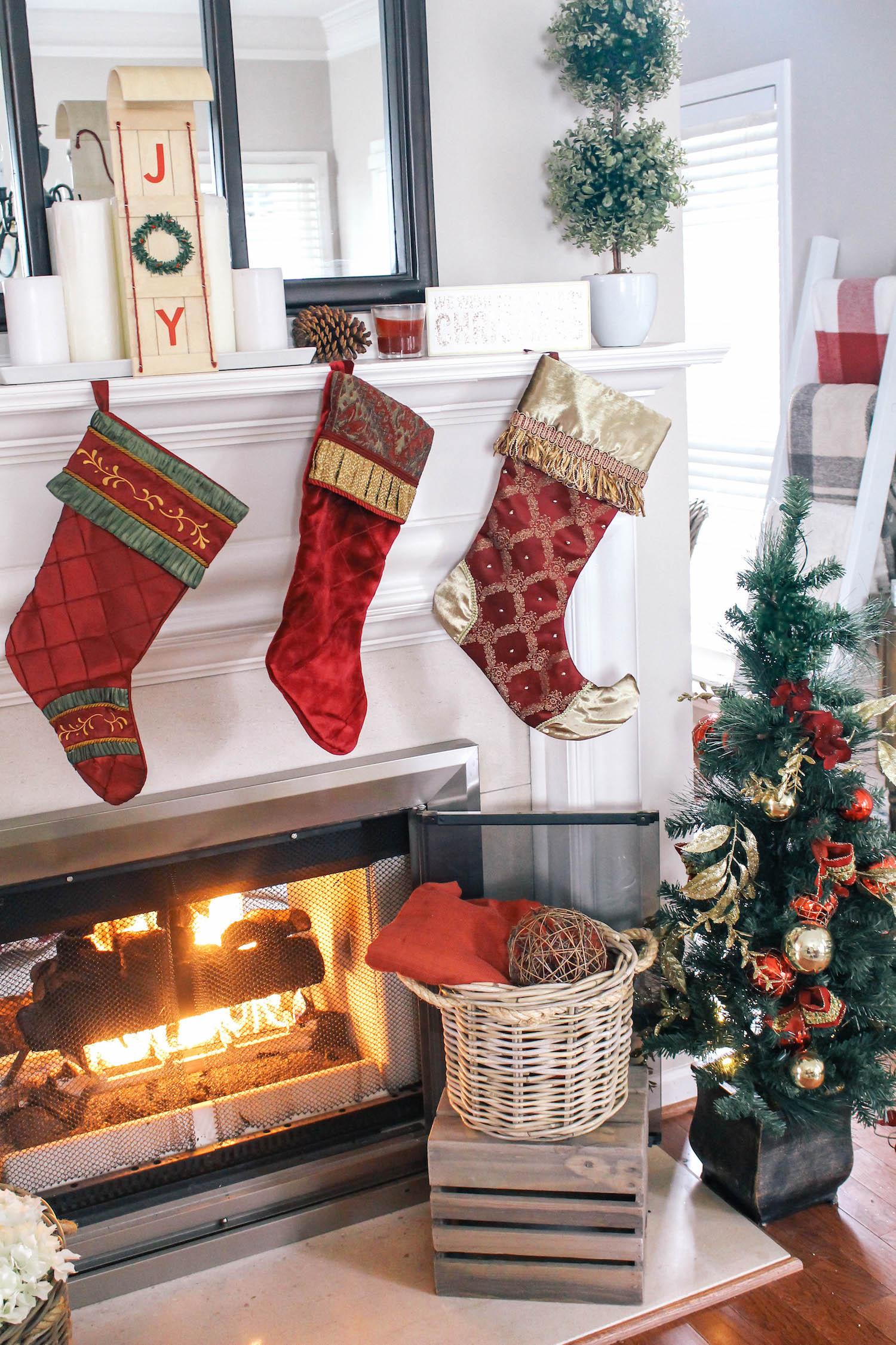 Christmas-Tablescape-Red-Plaid-Decor-6