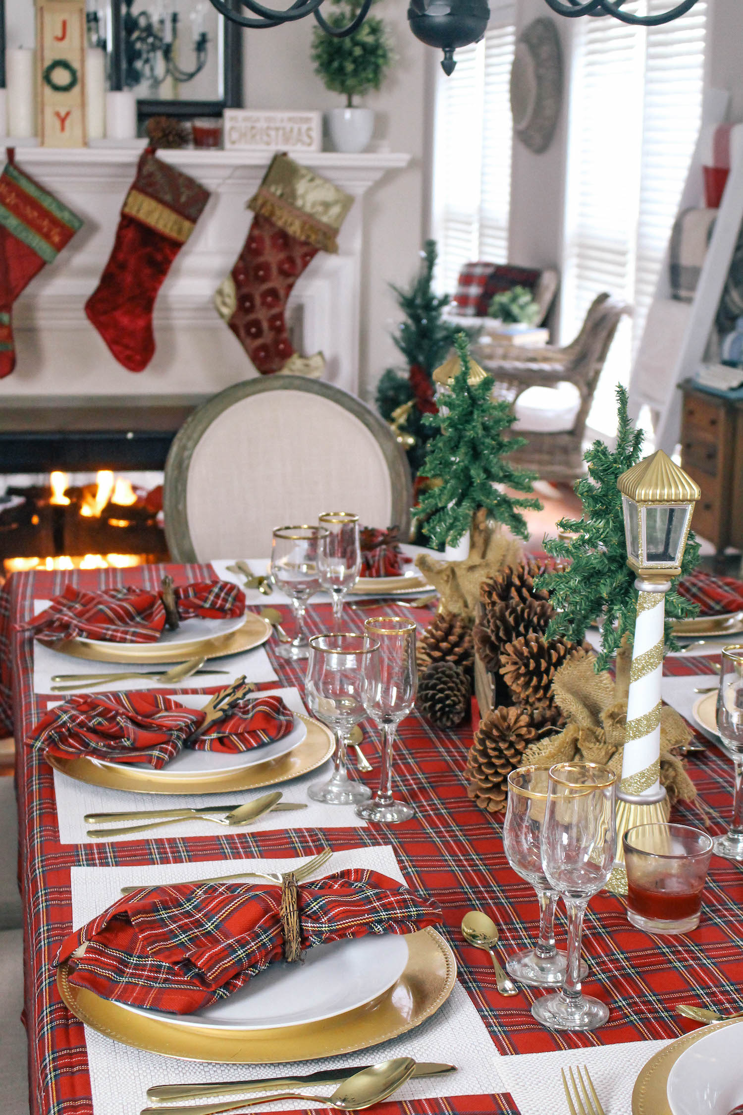 Christmas-Tablescape-Red-Plaid-Decor-7