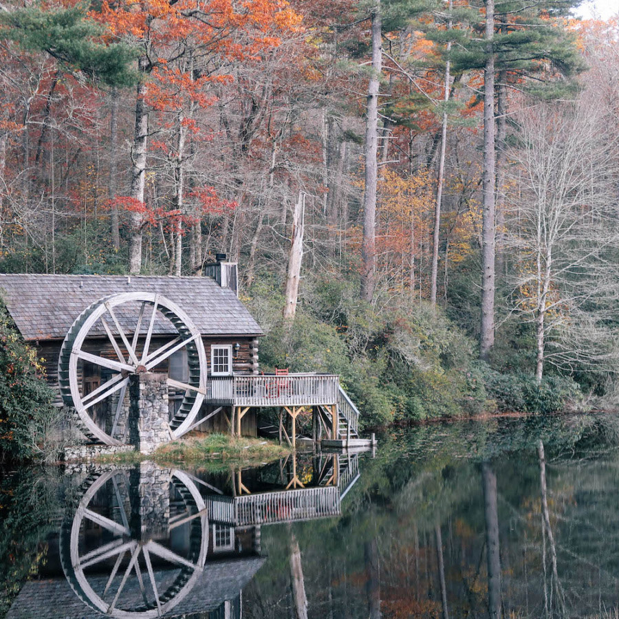 cashiers-nc-high-hampton-inn-mountain-waterwheel