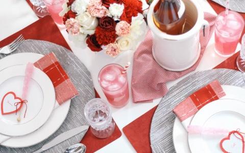 Valentines-Day-Tablescape-Decor-Ideas-20