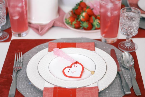 Valentines-Day-Tablescape-Decor-Ideas